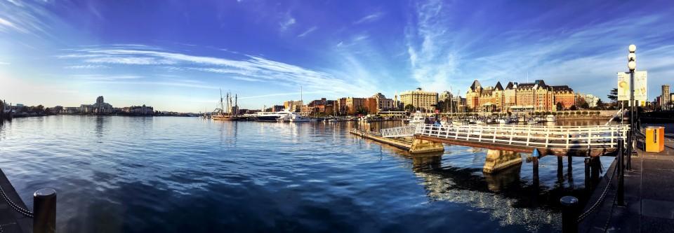 victoria harbour.jpg